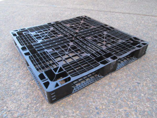 Pallets-Plastic-1100x1100 - Plastic-Pallet-1100x1100x145mm