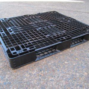 Pallets-Plastic-1200x1000 - IMG_3581